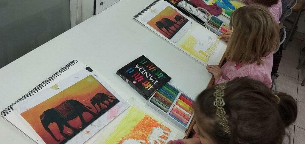 alumnos dibujo pintura